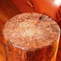 """木材が多く使われている館内、ここでしか味わえない""""自然""""を感じてください"""