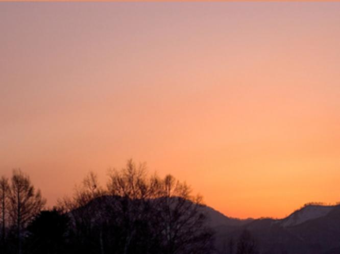 高原の陽は暮れて