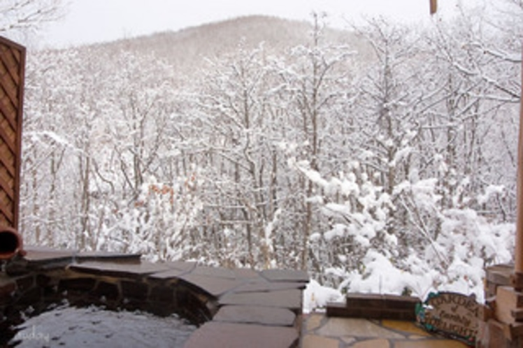 ホタルの庭園」風呂 冬の雪景色