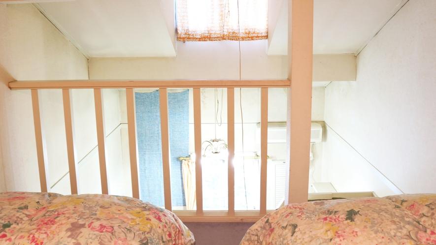 *【お部屋】ロフト付きのお部屋はエアコン完備で夏も快適!