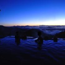 *【周辺観光_白馬鑓温泉】白馬鑓ヶ岳の中腹にある歩いてしか行けない山小屋の温泉小屋です。