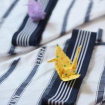 浴衣(お部屋には折鶴がお出迎え・・・)