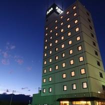 アパホテル〈甲府南〉外観(西側)500