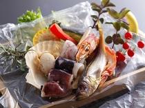 新鮮魚介は香草焼きで焼立てを味わって♪