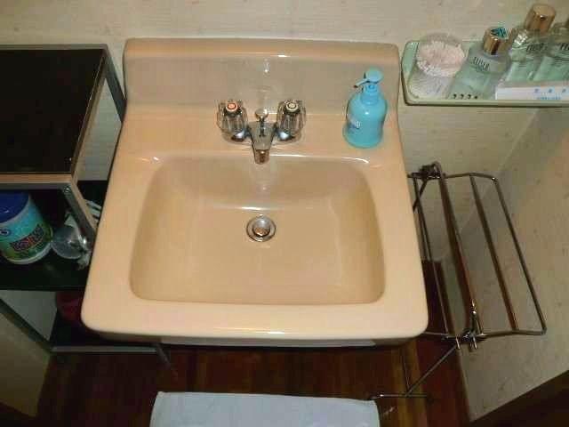 備え付けの洗面台