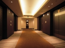 48Fプレミアフロアのエレベーターホール