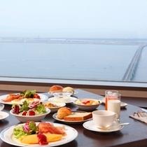 「スターゲイト」の朝食ブッフェ〜関西空港と広がる海を眺めながら、ゆったりお食事♪