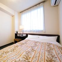 ■セミダブル■12平米・ベッド幅120センチ  冷蔵庫なしのお部屋