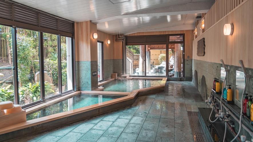 檜大浴場/男性浴室(源泉100%加温無しの掛け流し)