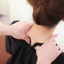 首・肩専門整体…<事前予約制>お客様のお部屋で施術となります。40分 5,200円 60分 7,50