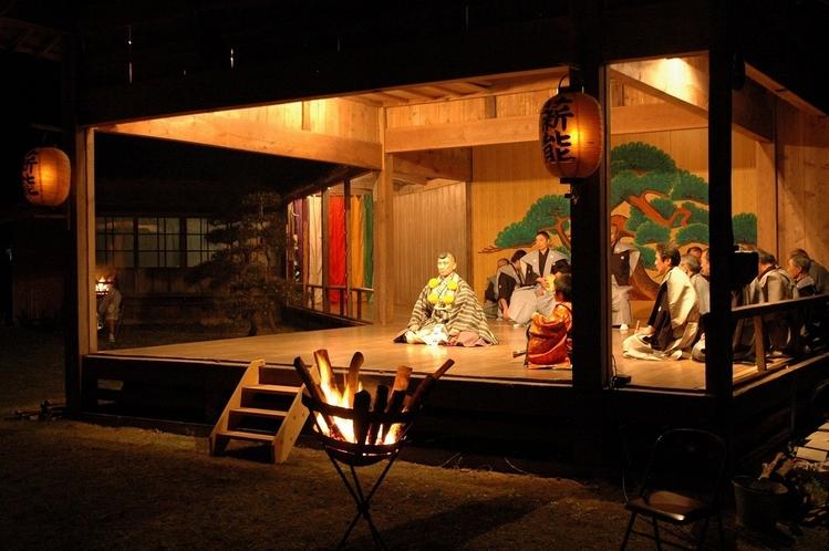 椎崎諏訪神社能舞台
