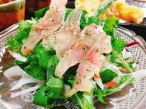【夕食例】夕食付のすべてのプランでお楽しみいただける「鯉のカルパッチョ」