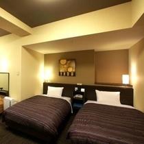 デラックスツインルーム<コンフォートタイプ> (ベッドサイ110×195cm) お部屋の広さ 20㎡