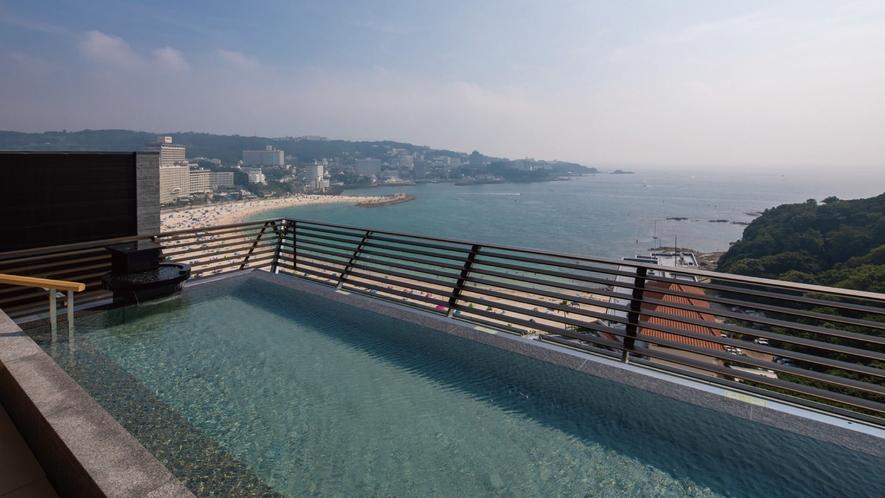 ☆【天空】和邸専用展望風呂です。円月島ビューと白良浜ビューがございます。(男女入替制)
