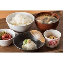 和食【ご飯・味噌汁・漬物・豆腐・納豆】