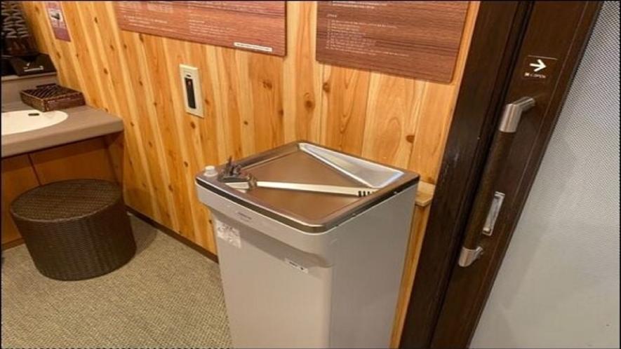 ◆脱衣所の冷水器で水分補給