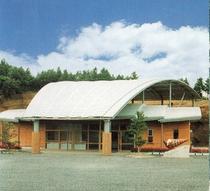 『なぎビカリアミュージアム』は湯郷より北方面へ約20分、化石の博物館です。