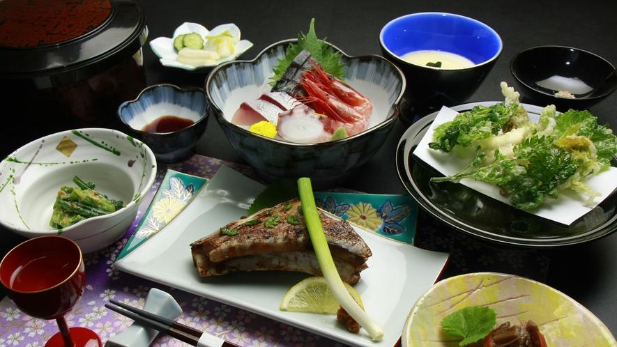 ◆【ご夕食一例・お気軽膳】「旅館の夕食は量が多くて、いつも食べきれない・・・」そんな方へお料理控えめ