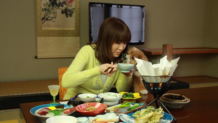 ◆【ご夕食】夕食は、個室または小宴会場となっております。わんことご家族だけの楽しい夕食のお時間をお過