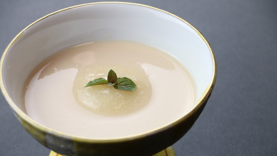 ◆【ご夕食一例・デザート】料理長特製の紅茶のプティング