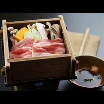 ◆【ご夕食一例・単品】越後もち豚ときのこの地酒蒸し