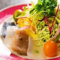 蒟蒻四種と高原野菜のサラダ