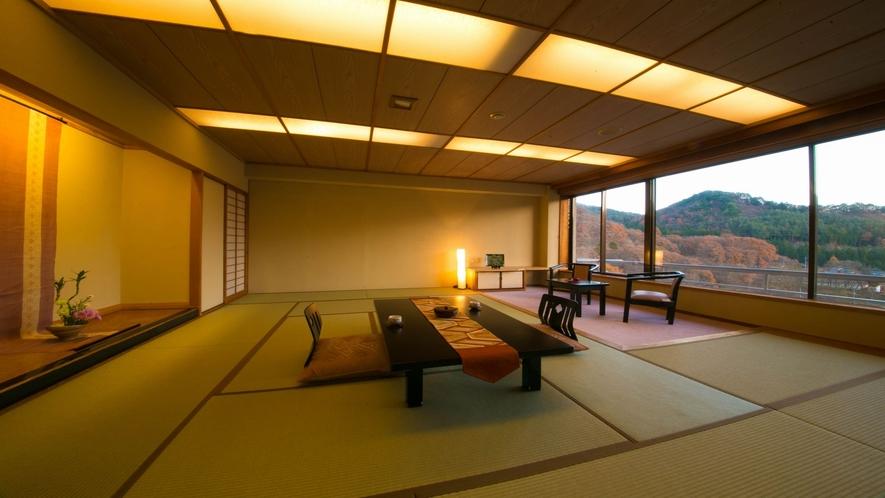 ■広め和室14畳 谷川連峰側■