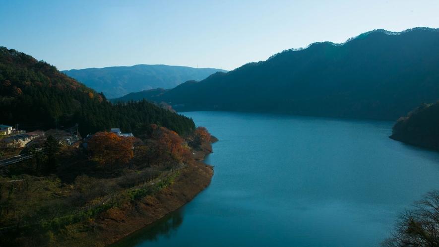 ■ロビー■~赤谷湖~