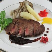 【11月・12月】中国料理 牛ひれステーキのバルサミコソース