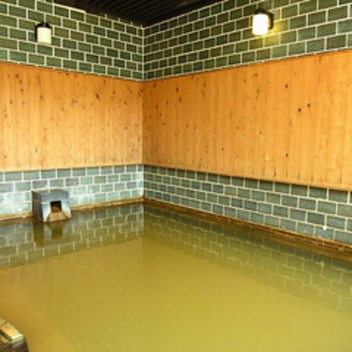 半露天風呂(内湯馬の背湯併設)