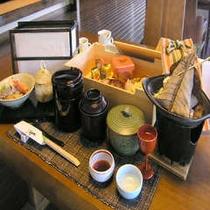 季節の食材を贅沢に使った「創作和懐石」(料理一例)
