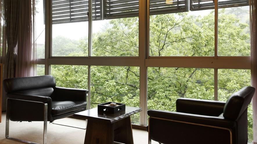 宇連川を望む眺めの良いお部屋です
