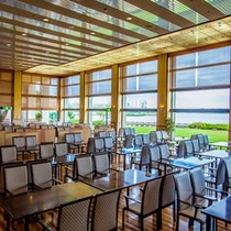 湖畔レストラン「スターシップ」