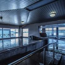 夢湯パークの大浴場ジェットバス