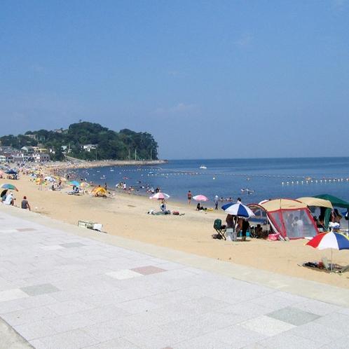 透明度が高く、遠浅なので小さいお子さんも安心して遊べる篠島サンサンビーチ☆