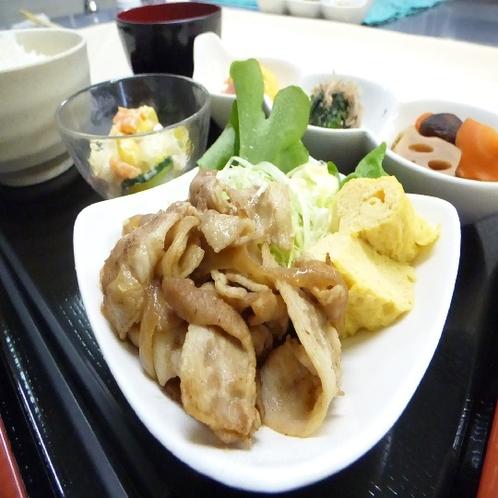 メイン 豚肉・卵焼き(メニュー例)