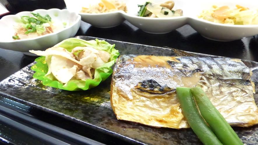 メイン 鯖・豚肉(メニュー例)