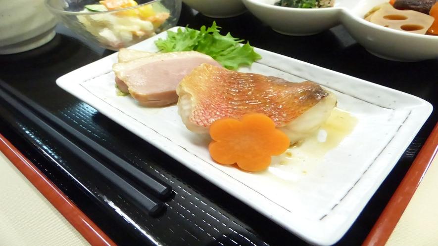 メイン 赤魚・かも肉(メニュー例)