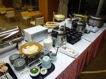 朝食フード卓