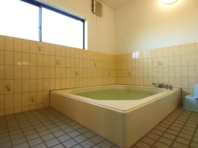 浴室は、23:00まで、翌朝は6:30からご利用いただけます。