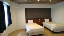 和洋室 (ベッドをくっ付けてお子様添い寝できます)