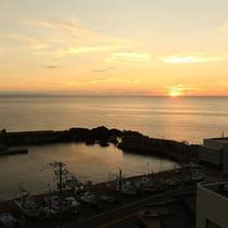 岩本屋前の夕陽