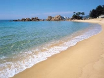 水晶浜≪水晶浜≫県内外からたくさんお海水浴客が訪れます