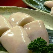 白子は焼と湯引きと白子のお寿司も人気の一品です!
