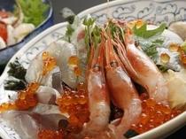 ランチで一番人気の長兵衛の「海鮮丼」は若狭路ご膳にも登録されています。