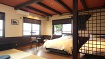 【光の間】敦賀湾の絶景を望むコーナールーム。展望露天風呂とベットを備えたワンランク上の寛ぎをお約束!
