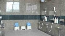 男女別の浴場、シャンプー、リンス、ボディーソープ、スキンケア用品など各種ご用意しております。