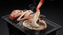 【焼き越前蟹】テーブルで活蟹炭火焼きを!香ばしい香りもご馳走ですね♪