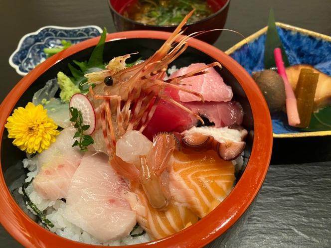 出前サービス「海鮮丼」