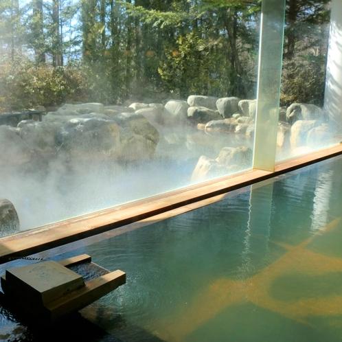 アクアリゾート清里(天女の湯)は車で7分! 源泉かけ流しの温泉と室内温水プールがあります。